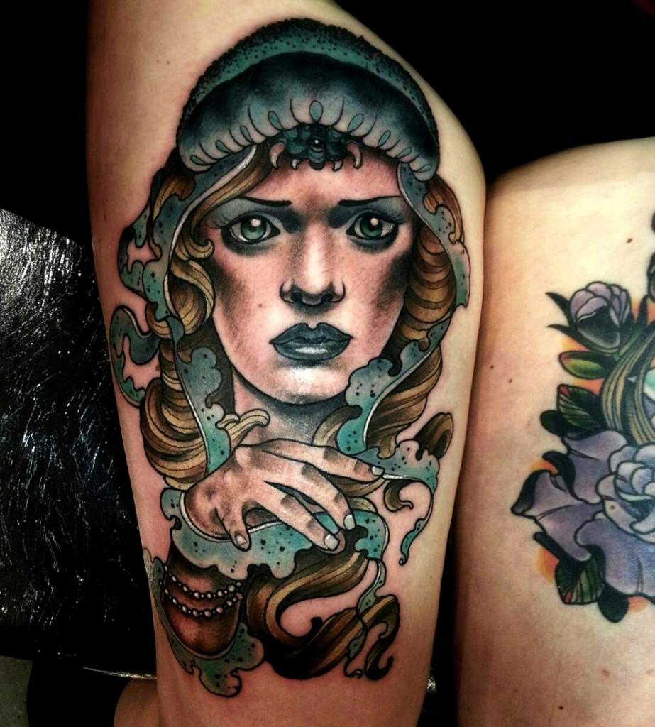 tatouage cuisse femme libellule lotus picture pictures. Black Bedroom Furniture Sets. Home Design Ideas